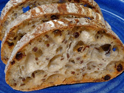 Flax seed - currant bread slices