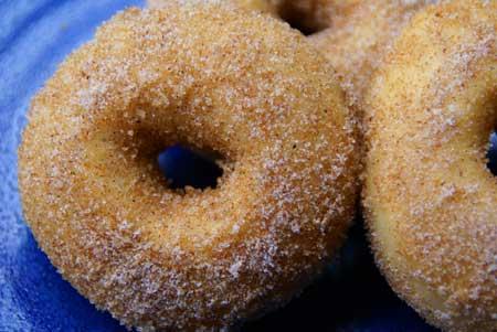 Baked doughnuts with cinnamon sugar