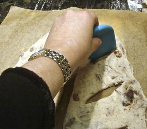 cutting-fougasse.jpg