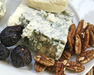 gorgonzola-figs-pecans.jpg