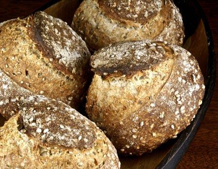 spelt-hepmseed mini loaves