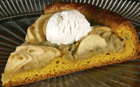 pumpkin brioche apple tart slice