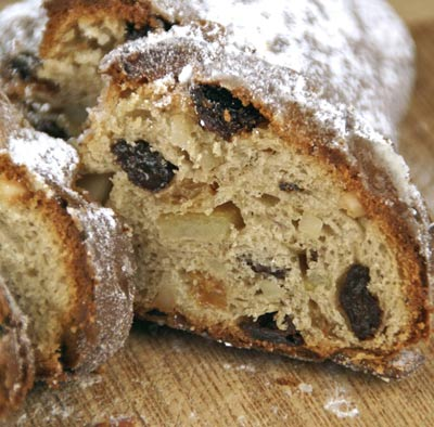 sliced stollen