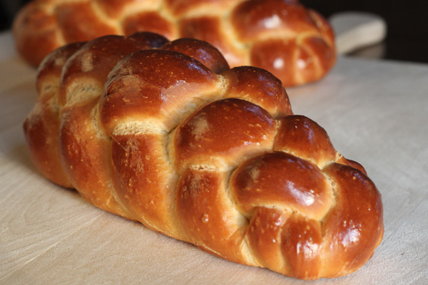 olive-oil-challah-with-prefermentd-dough-wild-yeast