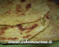 Fried Naan with Curry