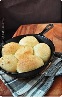 Herbed Butter Rolls