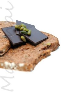 Cocoa, dates and pistachio bread