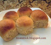 Golden Pull Apart Butter Bread