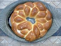 Kardemummakrans (Swedish Braided Bread)