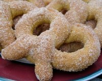 Soft Pretzels (Cinnamon Sugar)