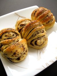 Chocolate-filled Brioche Rolls