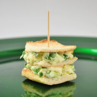 Mini Brie Sandwich With Spinach