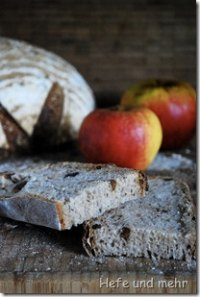 Apple Hazelnut Bread