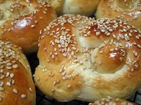 Double Knot Rolls