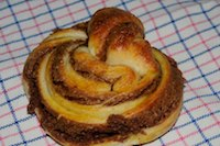 Kanelbullar With Cardamom And Cinnamon