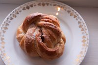 Cinnamon Snurrs (twisted Norwegian cinnamon buns)