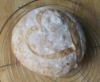 Roasted red pepper-walnut bread