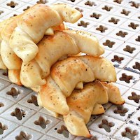 Cottage Cheese Crescents