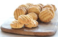 mustard & cheese cookies