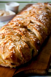 Cinnamon apple Danish braid