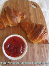 Croissants and pain au jambon
