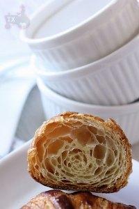 poolish croissant