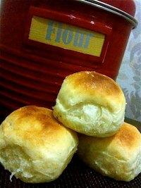 Honey and vanilla buns