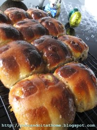 Traditional Hot Cross Bun