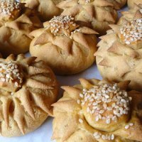 Whole Wheat Flower Buns