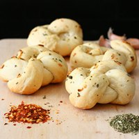 Soft Garlic Knots