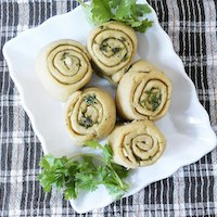 Whole wheat garlic rolls