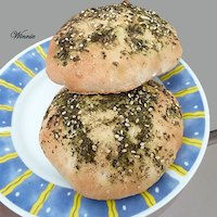 Pita bread with zaatar+olive oil