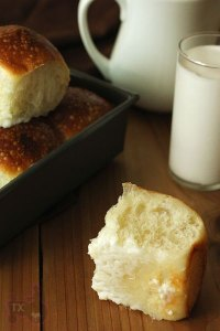 Sourdough Pani Popo (Coconut buns)