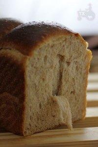 30% rye sourdough sandwich loaf