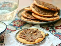 Meat pies, Damascus-style