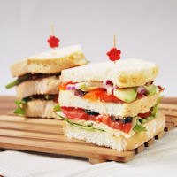 Clubsandwich With Avocado And Ham