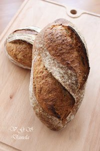 Bread With Rolled Oats 23.9%
