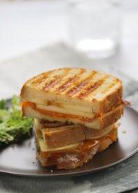 Sandwich Apple, Bacon And Cheddar