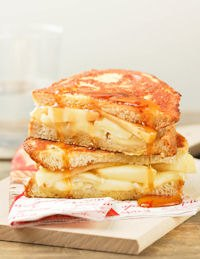 French Toast With Brie And Apple Maple Syrup