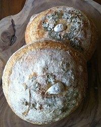 Della Fattoria's Rustic Roasted Garlic Bread