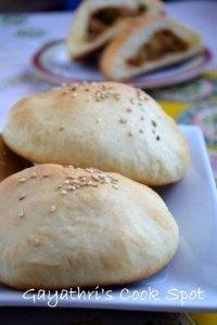 Eggless Stuffed Bread Rolls