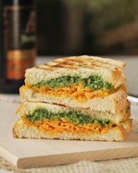 Sandwich With Cheddar And Arugula Pesto