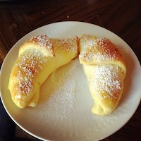 Brioche Crescent Rolls With Lemon Curd