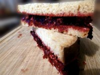 Toast Mit Rote-Bete-Butter