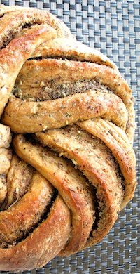 Rosemary Garlic Flaxseed Kringel Bread
