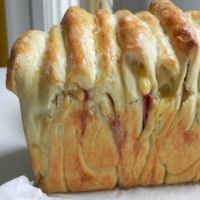 Cheesy Pull-Apart Bread