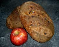 Apfel-Basilikum-Brot