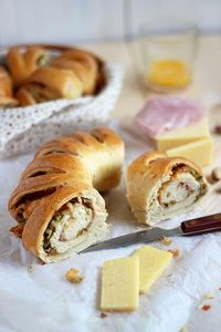 Pistachio, Ham And Cheese Bread