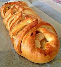 Cinnamon Apple Braided Bread