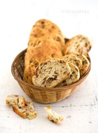Bread With Dried Figs